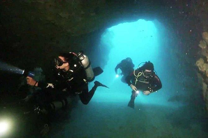 Diving in El Morro