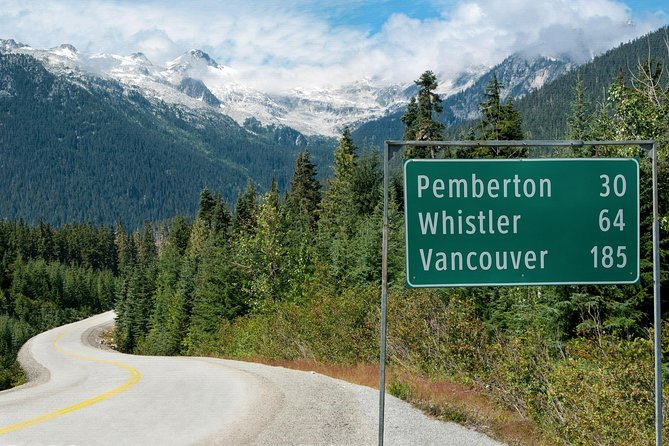 YVR - Vancouver's Airport <=> Whistler( Private Transfer Sightseeing Tour)