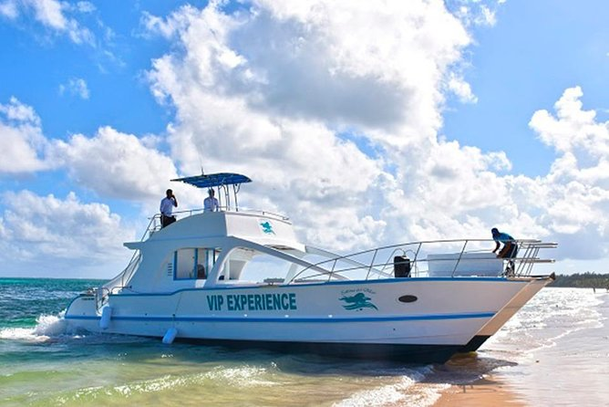 Private party boat for wedding groups and bachelorette in Punta Cana (Half Day)
