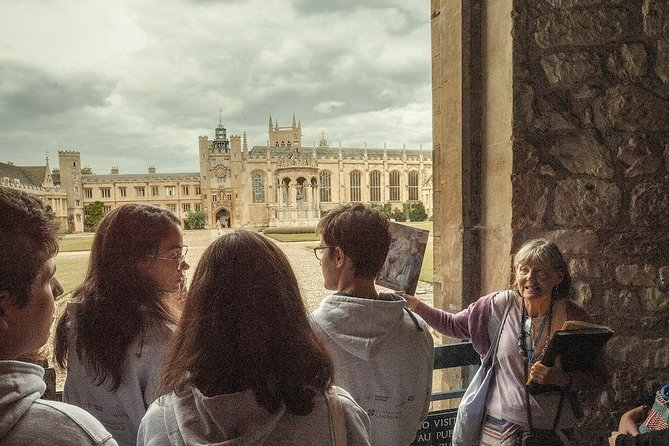 Personalised Cambridge Walking Tour with Stories