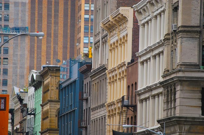 3 New York Neighborhoods Small-Group Tour : SoHo, Chinatown and Little Italy