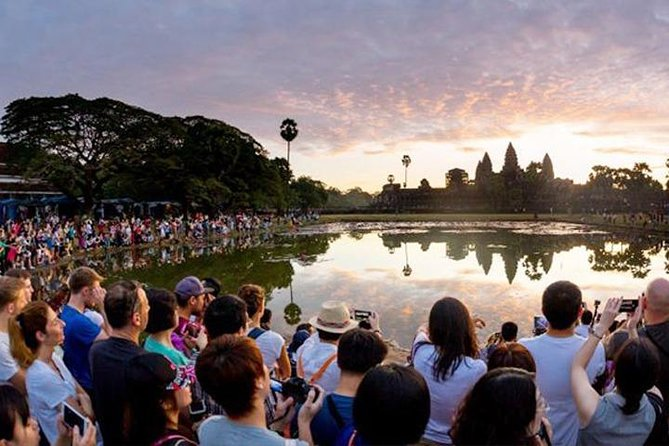 Angkor Wat Sunrise Small-Group Tour From Siem Reap - Free Hotel Pickup
