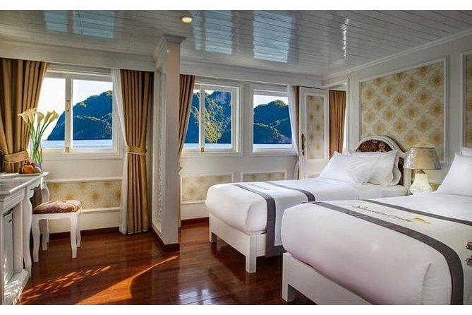 Signature Royal Cruise 2 Days 1 Night