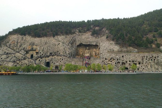 Private Half-Day Longmen Grottoes Walking Tour from Luoyang