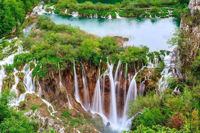 Plitvice Lakes Economy Small Group Tour from Zagreb