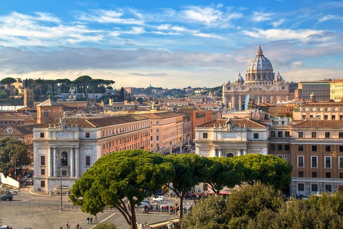 Vatican before Opening: VIP Morning Guided Tour of Museums and Sistine Chapel