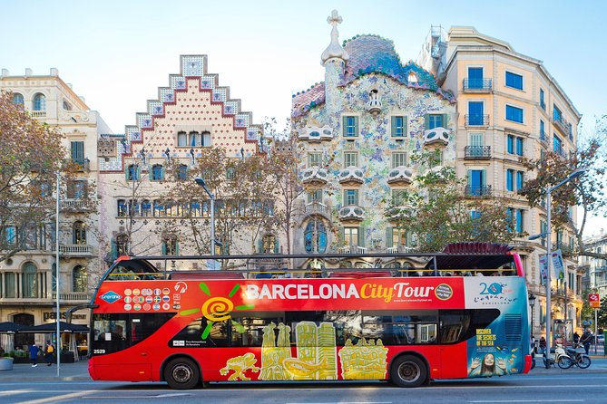 Barcelona City Tour Hop-On Hop-Off and Aquarium