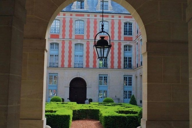Paris: Private Walking Tour in the Marais District