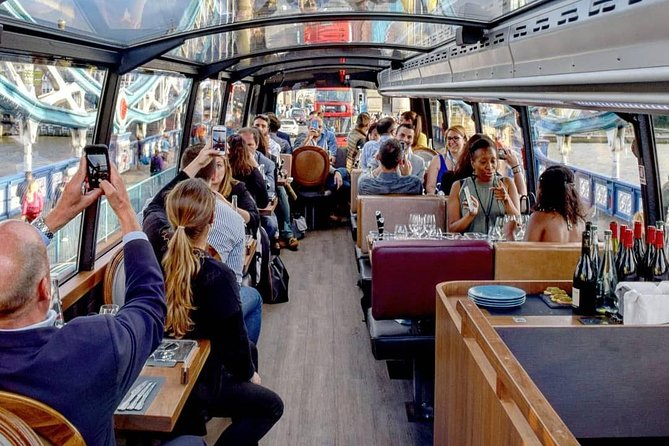 Luxury bus tour with a gourmet lunch and panoramic view
