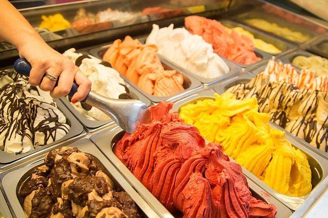 Food tour in Sorrento: olive oil, limoncello, mozzarella, pizza and gelato