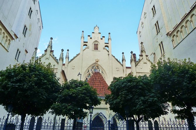 Private Tour of the Best-Preserved Jewish Quarter in Europe