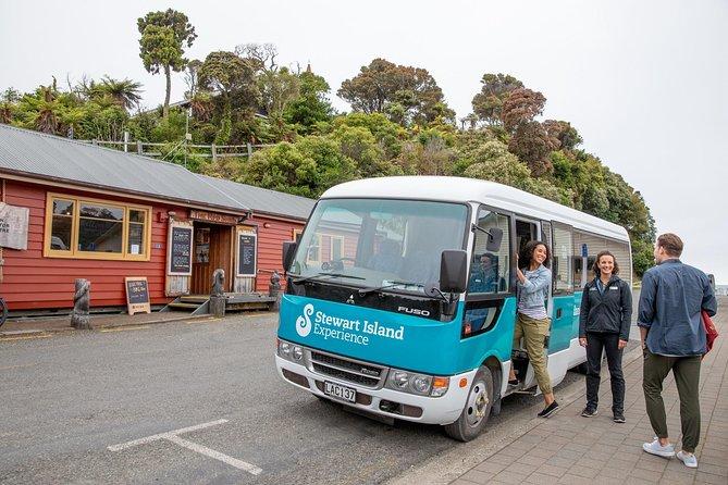 Stewart Island: Village and Bays Tour