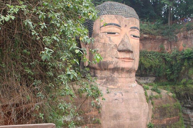 1-Day Chengdu Private tour to Leshan Buddha,Hot Pot Dinner & Sichuan Opera Show