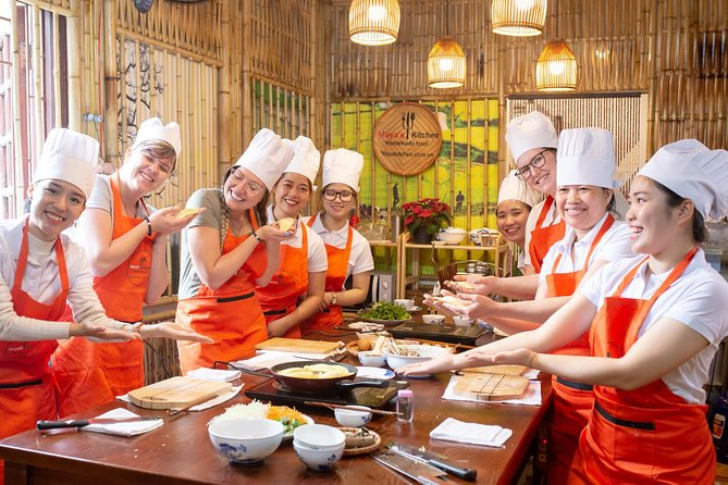 Hanoi Market Tour & Cooking Class: Pho, Bun Cha, Egg Coffee,... with Free Drinks