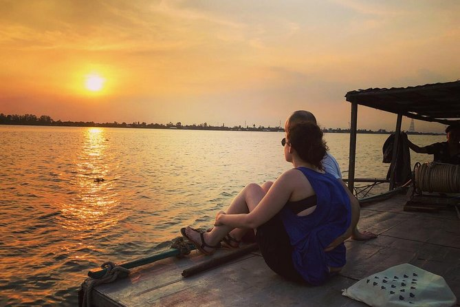 Experience with locals: 2-day Mekong exploring Long Xuyen Floating Market