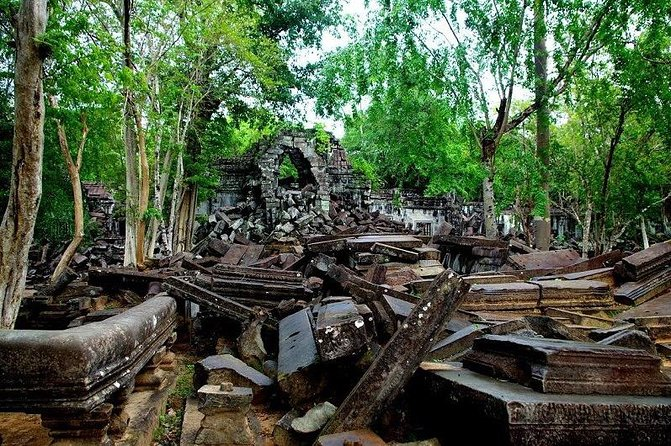 Outside Tour/Banteay Srei+Beng Mealea+Kompung Khleang/1full day tour