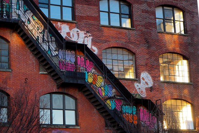 Brooklyn Private Tour: Williamsburg Famous Street Art Exploration Game
