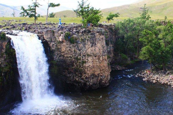 Horseback adventure to Eight lakes