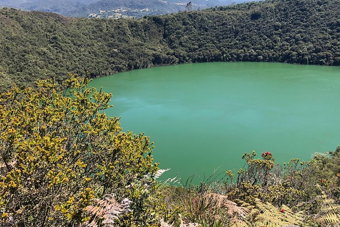 "Guatavita Lake - the Legend of ""El Dorado"""
