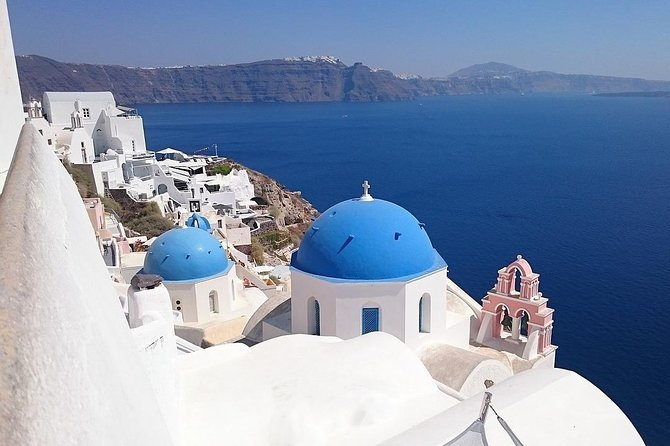 Private Full-Day Sightseeing Tour in Santorini with a Local
