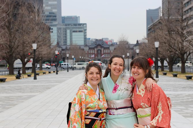 Private Kimono Photoshoot Experience in Imperial Palace, Tokyo Station and more!