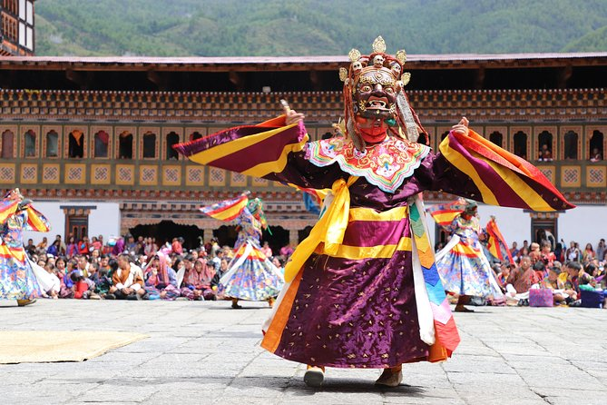 9-Day HimalayanCruiser, The Ultimate Luxury Bhutan Cultural Tour