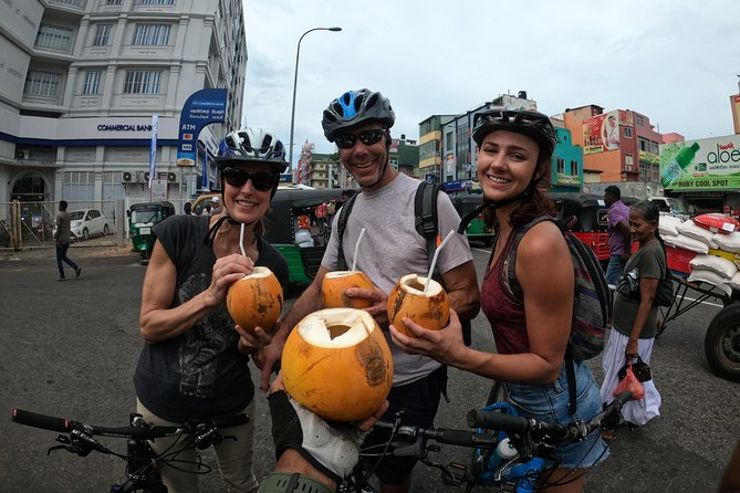 Street food Cycling Tour in Colombo