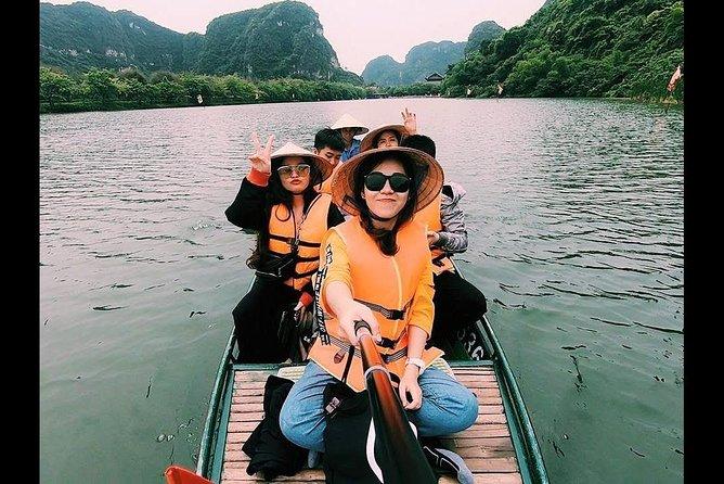 Deluxe Ninh Binh - Bai Dinh- Trang An 1 Day Tour ( Boat Trip-Biking-Caves)