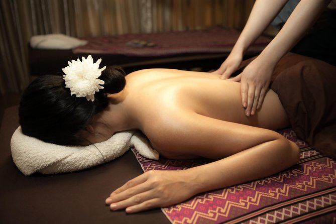 1 Hour Upper Relaxing with Balm or Oil - Free Transportation