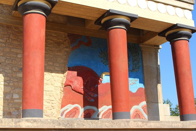 Uncharted Escapes: Chania Private Tour to Knossos and Archaeological Museum