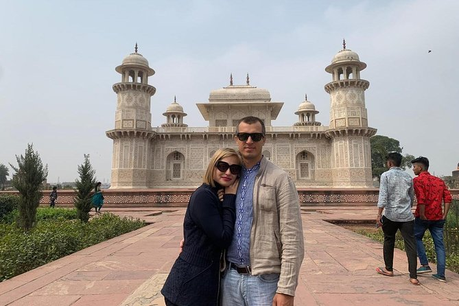 One Day Taj Mahal tour from Mumbai