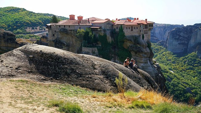 2 Day Private Tour of Meteora & Thermopylae From Athens - Overnight At Kalambaka or Kastraki