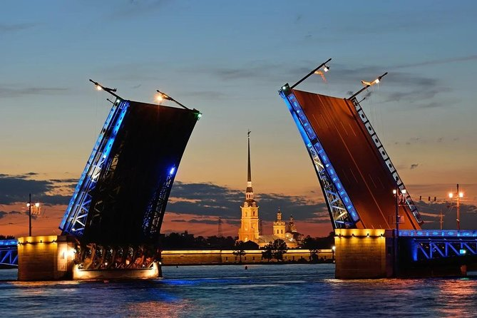 Night Saint-Petersburg with boat tour