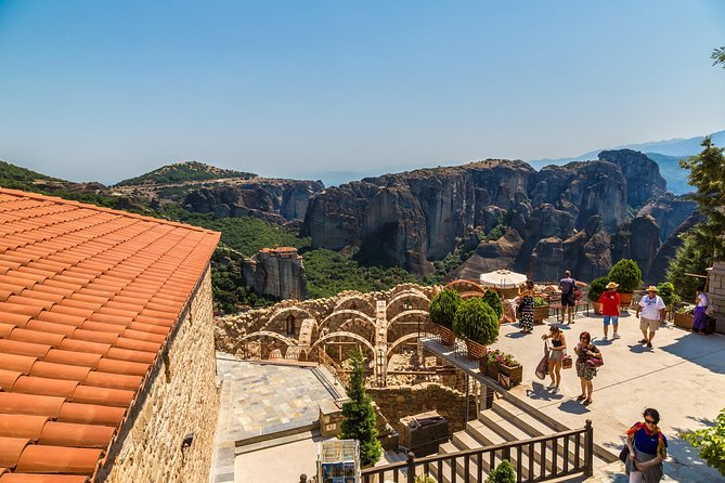 Meteora Day Rail Tour from Athens with Spanish Speaking Expert Escort