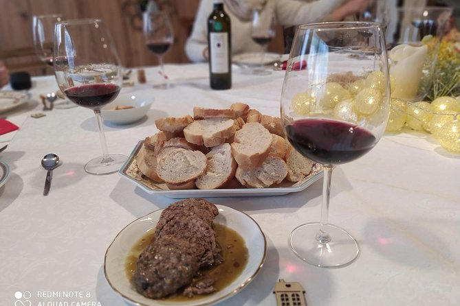 5 wine tastings with signature food and visit to the Templar castle of Monzon