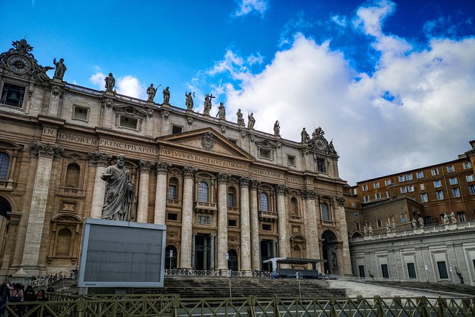 Fast Access Vatican Raphael Rooms Sistine Chapel & St Peter Basilica guided Tour