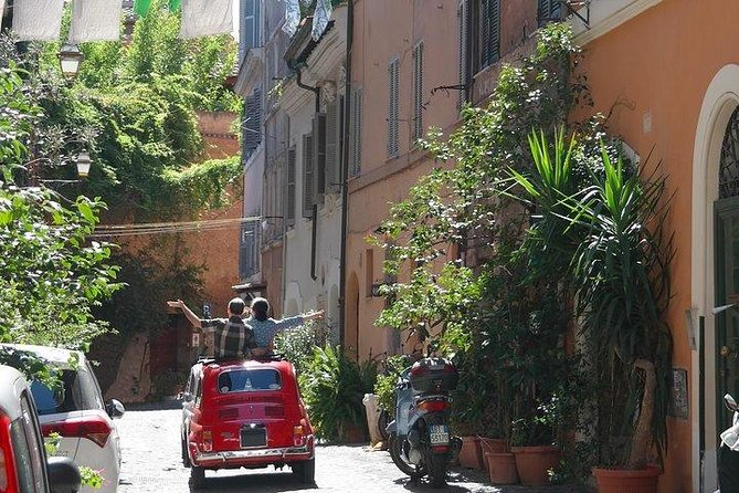 Discover the City of Rome aboard a Vintage Fiat 500