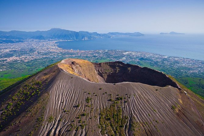 Mt Vesuvius Pompeii & local wine tour from Sorrento