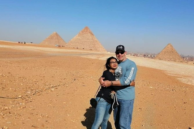 Day Tour To Pyramids and Egyptian Museum,