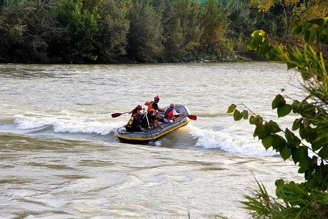 ROME EXLUSIVE: Soft rafting on Tiber river