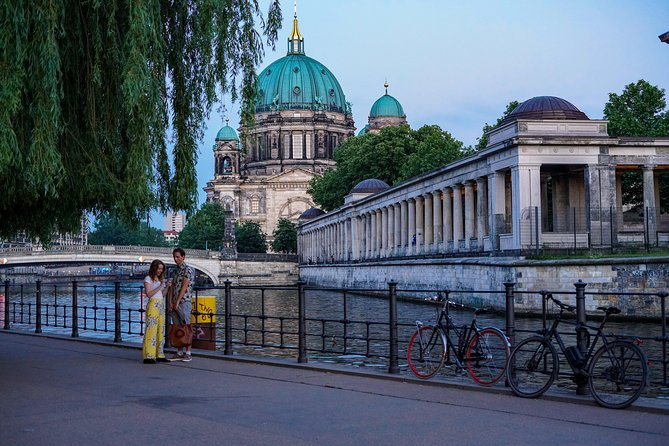 Berlin Historical Tour: Third Reich & Cold War Exploration Game