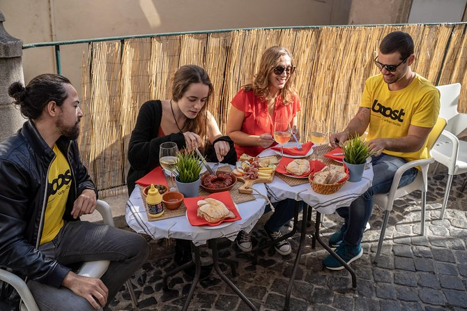 Private Groups: Discover Lisbon and taste Portuguese tapas on a Segway