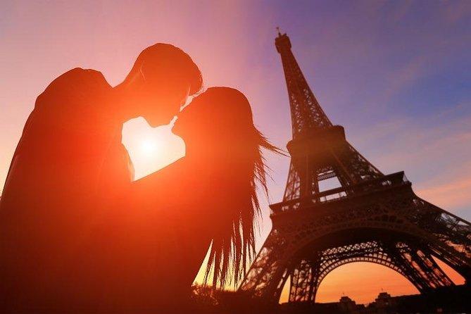 4-hour romantic Paris tour