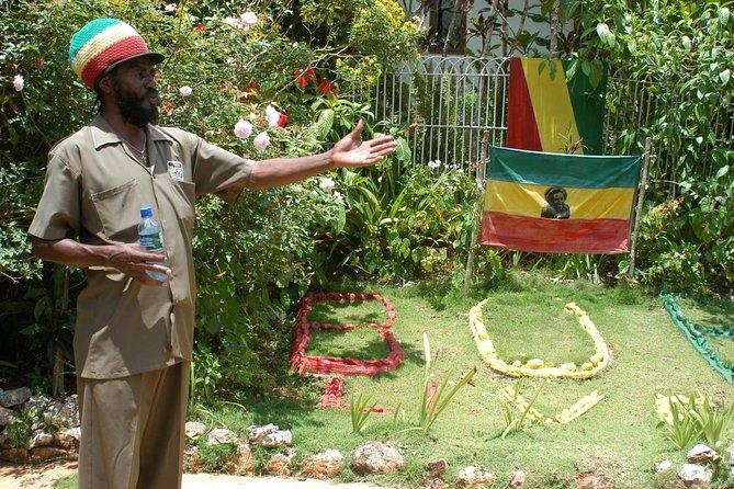 2.5-Hours Nine Miles & Bob Marley's Mausoleum Private Tour