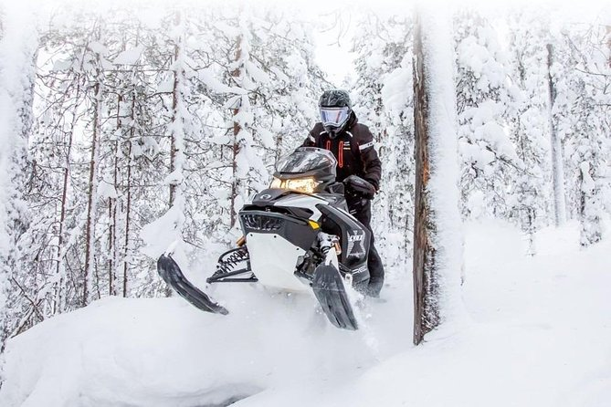 snowmobile safari in Murmansk
