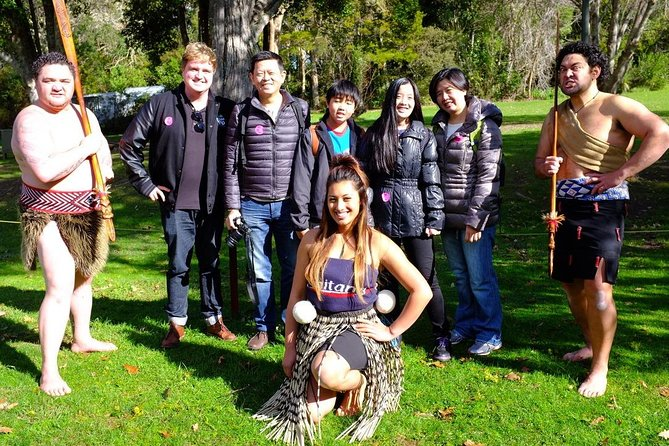 4 Day Auckland, Rotorua, Hobbiton and Waitomo Caves Exclusive Private Tour