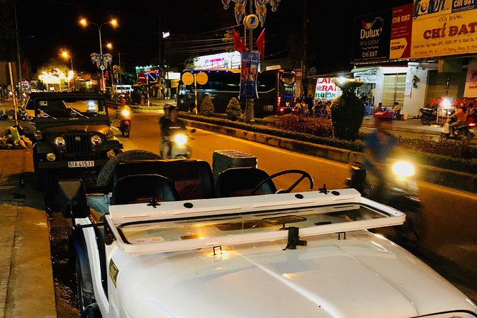 VietJeep - jeep tour for exploring the sunset and Phu Quoc by night.