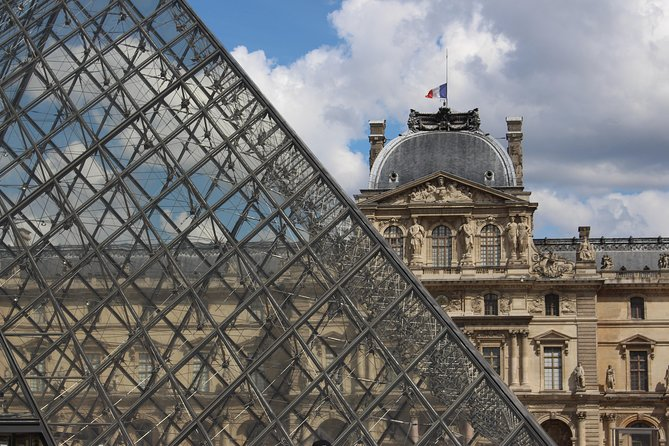 Louvre Tour - Truly Small Group Tour