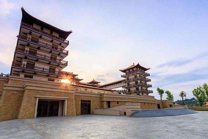 8-Day Premium Private Tour to Southern Taiwan, Sun Moon Lake and Alishan