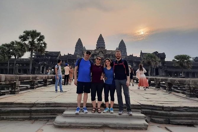 1 Day -Sunrise Angkor Wat + Small Circle & Bantay Srei Temple